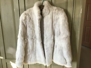 SUPER SOFT CUDDLY Sergio Valente WHITE RABBIT FUR JACKET Coat Sz MEDIUM