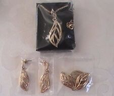 Avon Glimmering Leaves Embellished 3 Piece Set Goldtone With Faux Stones!