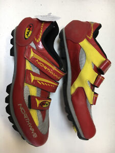 Northwave Red/Gold Adult 9 Used Biking Shoes