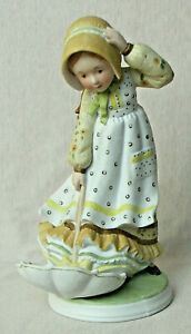 """HOLLY HOBBIE FIGURINE """"WINDY WEATHER"""" CLASSICS COLLECTION LIMITED EDITION EUC"""