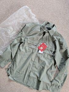 Mens CRAGHOPPERS Green Cactus Shirt Long Sleeve Size L Button Closure