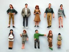 F3 B - LGB - G Scale -> 40 Piece Figurines Standing + Sitting also for Race
