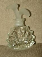 VINTAGE GLASS SMALL PERFUME BOTTLE WITH ETCHED FLOWER TOP