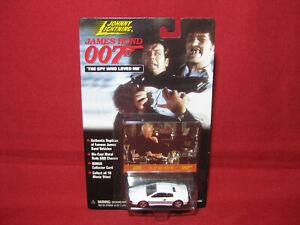 James Bond 1976 Lotus Esprit S1 Spy Who Loved Me Car Roger Moore 007 1:64