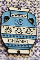 100% Chanel button 1 pieces  cc logo    emblem 1,5   inch blue vase