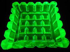 Green Vaseline Uranium glass Square pattern salt dip / cellar celt master yellow