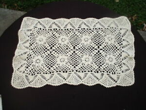 """LOT #46- VINTAGE HAND CROCHETED LACE DOILY  18"""" X 12"""" CHAMPAGNE SAND BEIGE"""
