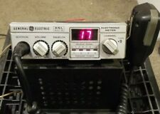 Ge 40 Channel Vintage Citizen Band Transceiver Model 3-5805A with stand