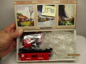 JT-98 Walthers Kit 932-4357 International Bay Window Caboose Norfolk & Western