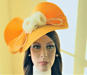 Hat fascinator from GaloppHats  Etsy, yellow Kentucky Derby, Ascot Races hat