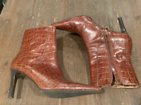 Women's Ralph Lauren Leather Ankle Boots Brown Alligator Design. Size 9B.