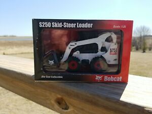 Diecast Collectable Toy Bobcat 1:25 Scale Skid Steer Loader Model S250