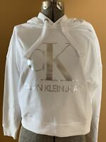 NEW Calvin Klein Jeans Womens MEDIUM White Hoodie CK Logo Crop Top Sweatshirt