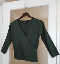 DKNY Blouse Top Stretch Medium Green V-Neck New Beautiful!