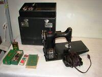 vtg Singer Featherweight 221-1 Sewing machine w/ case & accessories AE222369