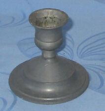 Kerzenhalter aus Metall grau