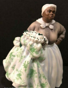 Gone with the Wind Music Box Mammi Holding Scarlett's Dress Figurine EHTF