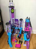 Mattel Monster High Deluxe High School Dollhouse Playset Castle Lot