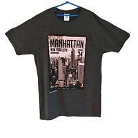 New York City Manhattan Mens Grey Fruit of the Loom T shirt size Medium