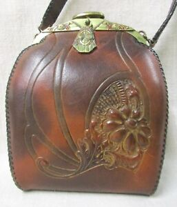 ARTS AND CRAFTS HAND MODELED LEATHER PURSE MADE BY JUSTIN LEATHER