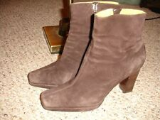 "Women's Tommy Hilfiger Brown Suede Ankle Boots Booties Size 11 M   4"" Heel"