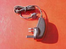 240V Cargador De Red Sony Ericsson Z710i G705 G705u W300i W200i 0.5A Negro