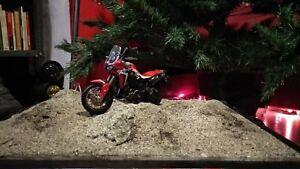 Honda Africa Twin Diorama rally Dakar 1:18 Moto Modello Desert tipo Tamiya