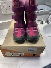 Euc Merrell Girls Snow Boots 4 (big girls)