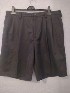 Izod Golf Mens Golf Shorts 36 Waist black Chino nice condition