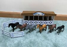 Funrise 1990 International Horse Stable with Fences and 6 Horses *READ*