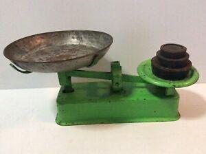 Vintage Steel Kitchen Scales / Balance Scales
