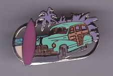 Pin's Folies ** Enamel pin Badge Demons & Merveilles Car Automobile Peugeot surf