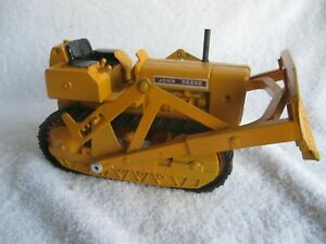 1/16 JOHN DEERE 450 CRAWLER GOOD CONDITION REPAINT NEW TRACKS
