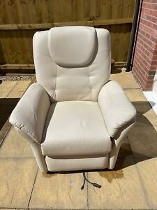 Windsor White Leather Rise Recliner Chair (Not Working) Collection Only.