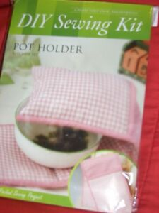NEW ONE DIY POT HOLDER SEWING KIT READY TO SEW PINK AND WHITE