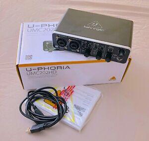 Behringer U-PHORIA UMC202HD Audiophile USB Audio Interface with Midas Mic Preamp