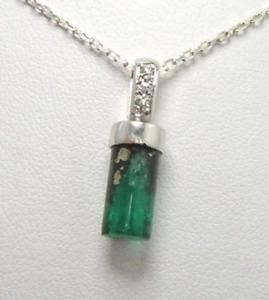 Colombian Emerald Crystal Pendant 4.73 Cts 18K Gold Natural Tubular Shape Muzo