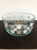 Pyrex 7201 ~ White Clear with Geometric Square Pattern Bowl ~ No Lid ~ 1QT