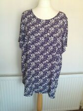 ladies blue/white print long top from George size 22 in great condition