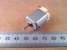 3v D.C. Miniatura Reversible Modelo motor eléctrico, de 2 mm de eje, 1.5 v A 4.5 V