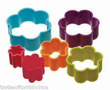 Colourworks por Kitchen Craft Set de 6 Flor Galleta Pastel Cortadores Y BAÑERA