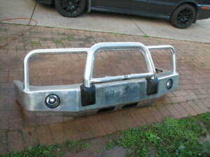 ECB POLISHED ALLOY BULL BAR TO SUIT A 1997 TO 2000 FORD EXPLORER