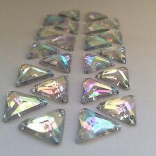50 pcs x Sew su 14 mm Acrilico Strass chiaro AB Colore forma triangolo