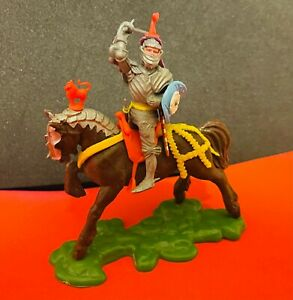 Vintage Britains LTD Swoppet 15th Century Knights Sword & Shield Made in England