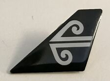 10397 AIR NEW ZEALAND NZ BLACK AIRLINES AIRWAYS AVIATION PLANE TAIL PIN BADGE