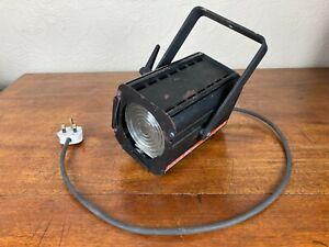 FOCUS 650 Fresnel Zero 88 Light