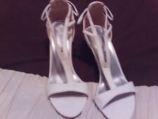 NEW With (DEFECTS) White Bodyflirt Heeled Strappy Faux Suede Sandals Size 4