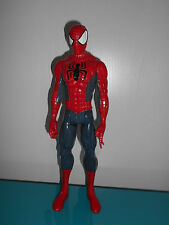 17.3.19.4 Grande figurine articulée Spider Man 28cm Hasbro 2013