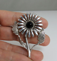 VTG MEXICAN STERLING SILVER ONYX FLOWER PIN BROOCH.