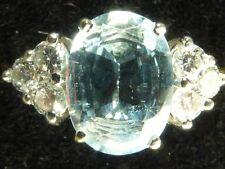 Modern di seconda mano 18 kt Gold Acquamarina 6 Diamanti Anello Fidanzamento